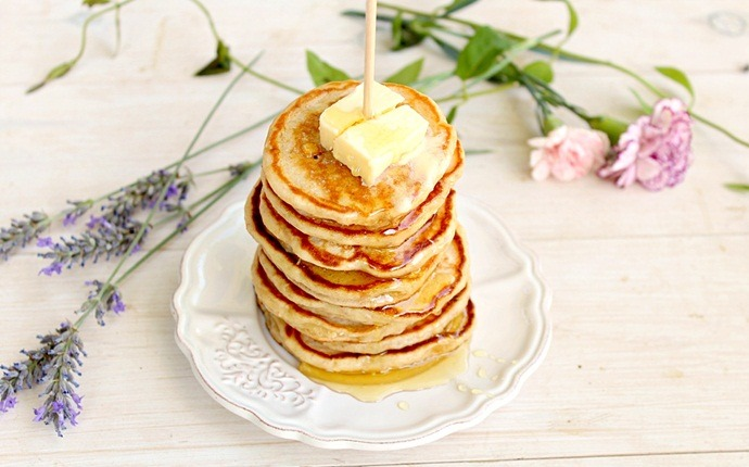 healthy pancake recipes - whole wheat yogurt pancake