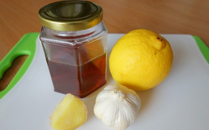 honey for sore throat - honey, ginger, and lemon juice