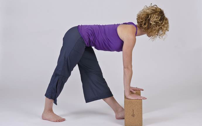 yoga poses for sciatica - modified pyramid