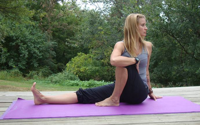 yoga poses for sciatica - the seated twist