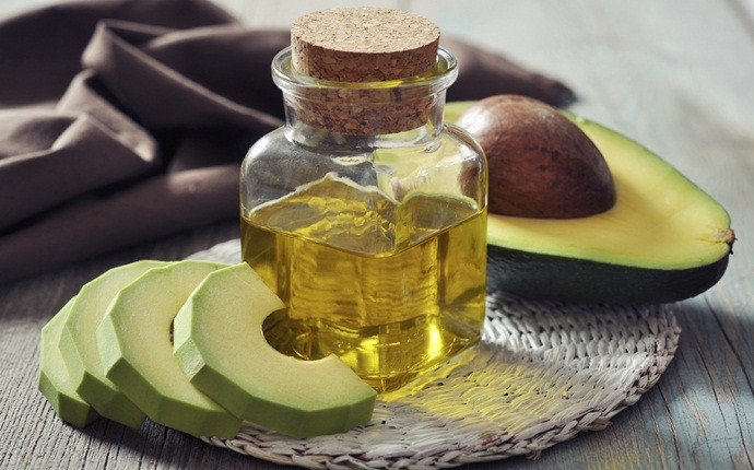 how to get rid of puffy hair - avocado and olive oil