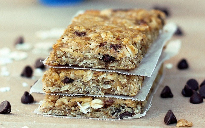 paleo snack recipes - granola bars recipe