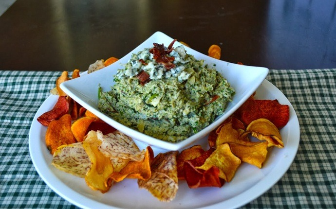 paleo snack recipes - paleo bacon and blue cheese spin dip