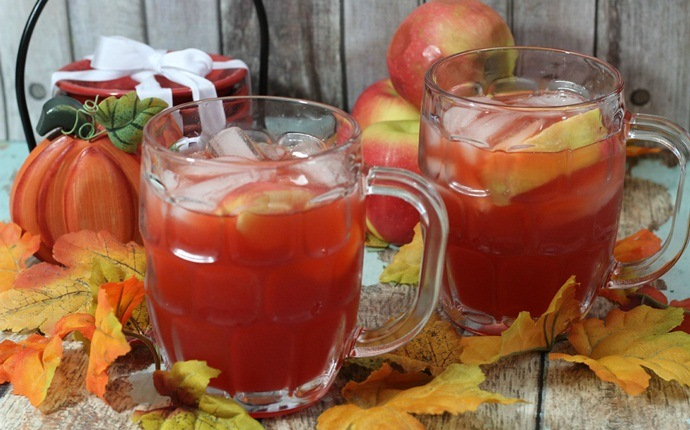 healthy apple recipes - spiced apple cider