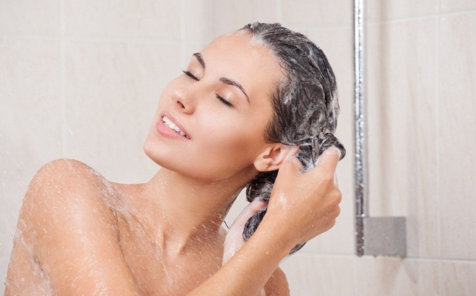 how to get rid of puffy hair - use right shampoo and conditioner