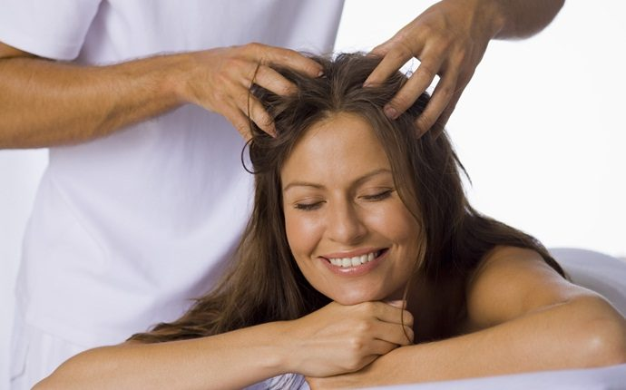 how to get rid of puffy hair - warm oil massage