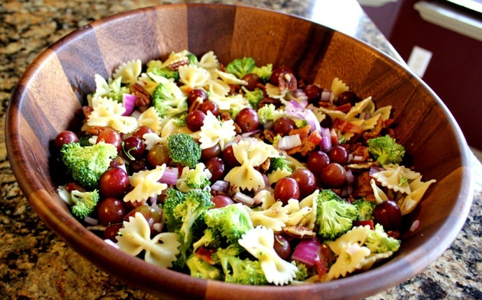 paleo salad recipes - broccoli bacon salad