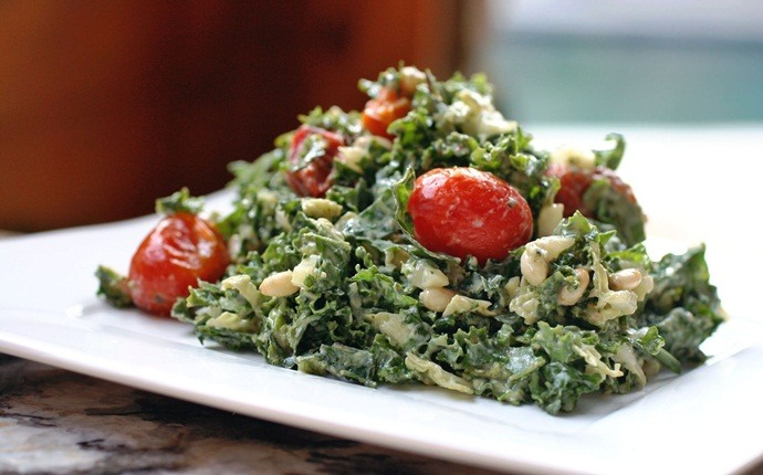 paleo salad recipes - creamy dressing with kale tomato salad