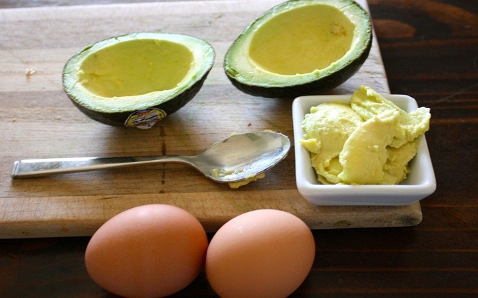 protein pack for hair - egg and avocado