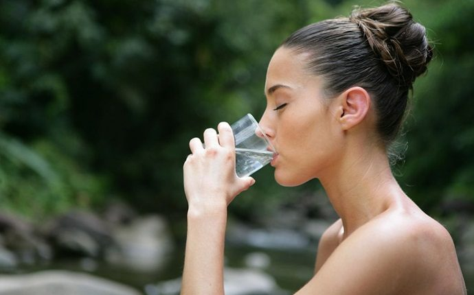 how to prevent heat stroke - keep yourself hydrated