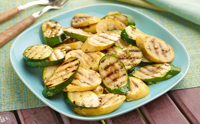healthy zucchini recipes - marinated zucchini with yellow squash salad