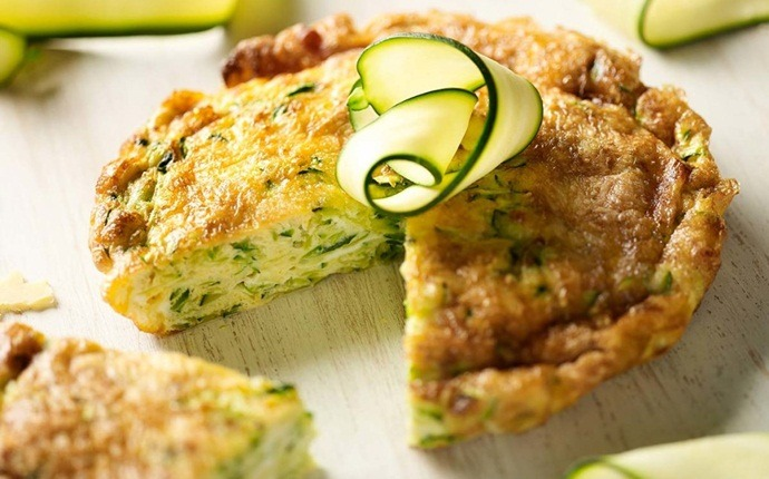 healthy zucchini recipes - zucchini and rosemary frittata