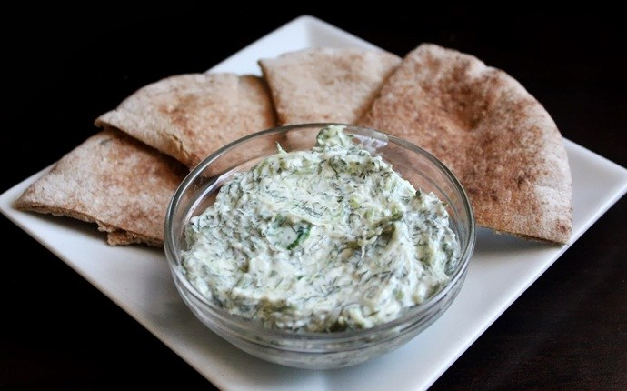 low calorie appetizers - cucumber and dill dip