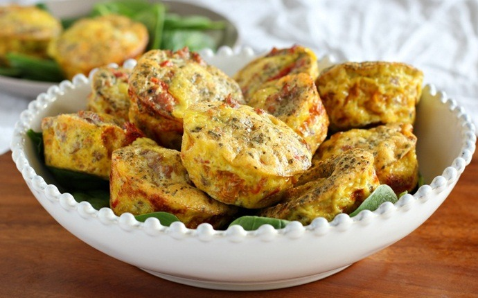 paleo breakfast recipes - egg muffins