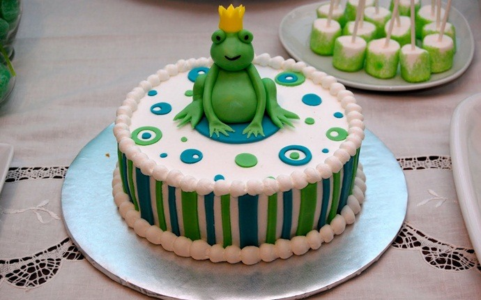 cupcake recipes for kids - frog prince cupcakes