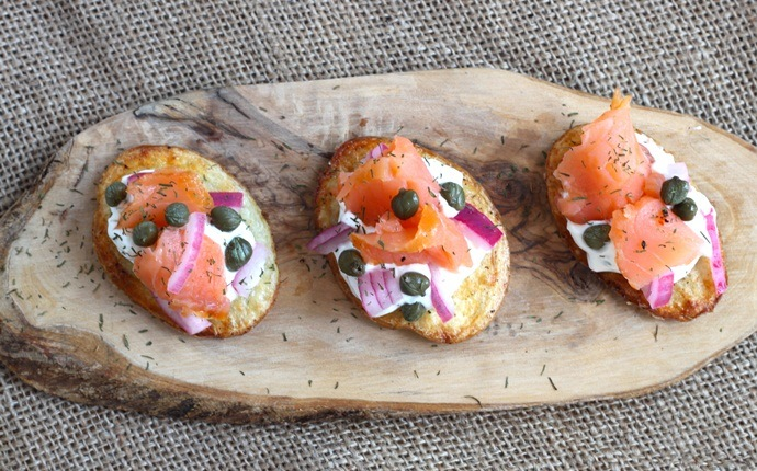 low calorie appetizers - smoked salmon bites