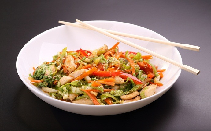 breakfast recipes for diabetics - stir-fried zucchini, kora and broccoli salad with asian dressing