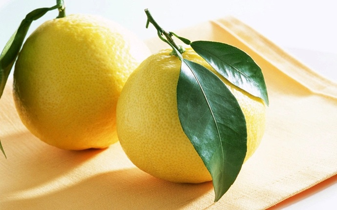 foods that detox your body - lemon