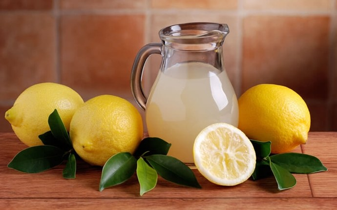 scrubs for oily skin - lemon juice & salt scrub