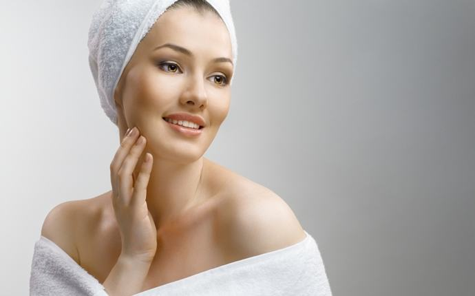 benefits of multani mitti - improve skin complexion