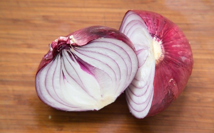 home remedies for pigmentation marks - red onion