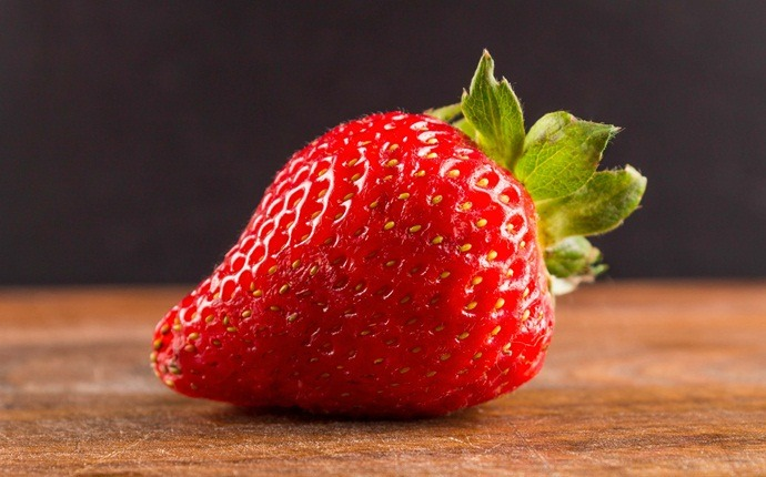 home remedies for pigmentation marks - strawberry