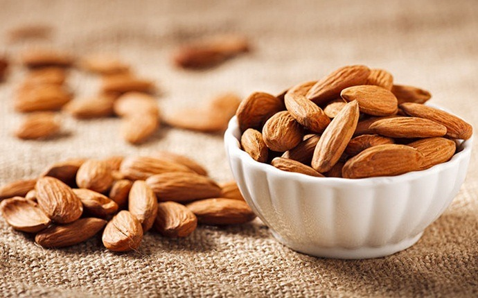 how to increase muscle strength - almonds
