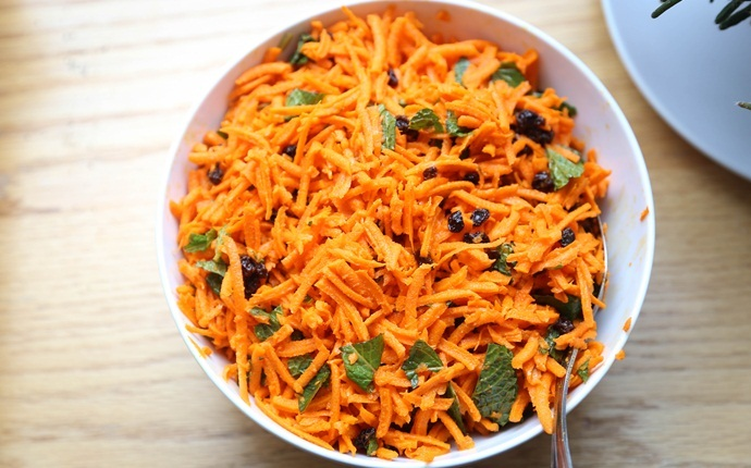 healthy carrot recipes - minted carrots