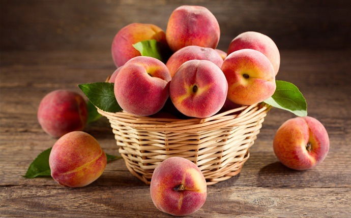 fruits with high water content - peaches