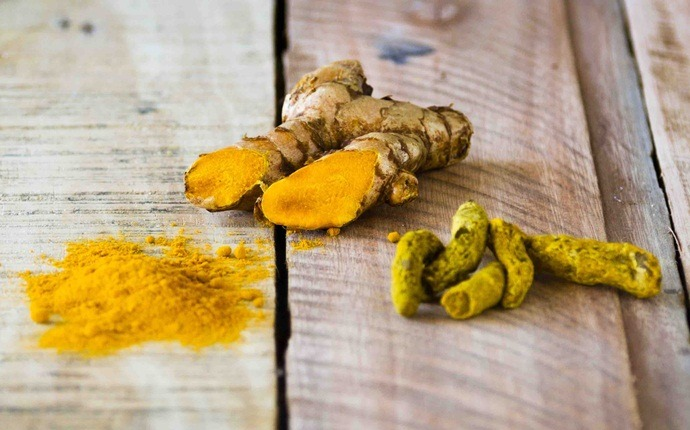 how to lose chest fat - turmeric