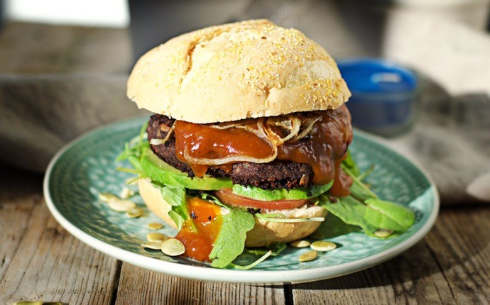 healthy vegan recipes - vegan bean burgers