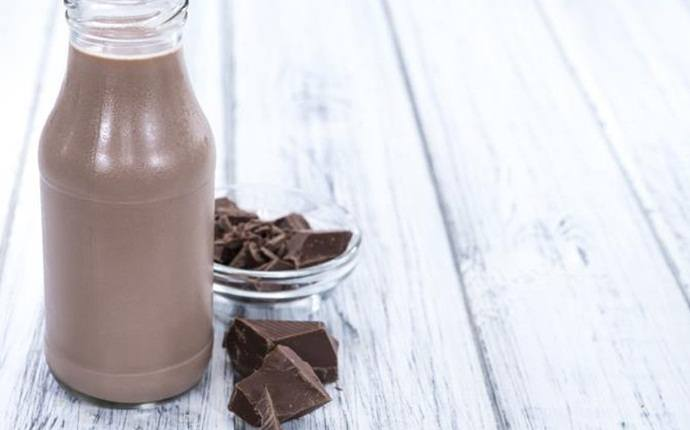 muscle recovery drinks - chocolate milk