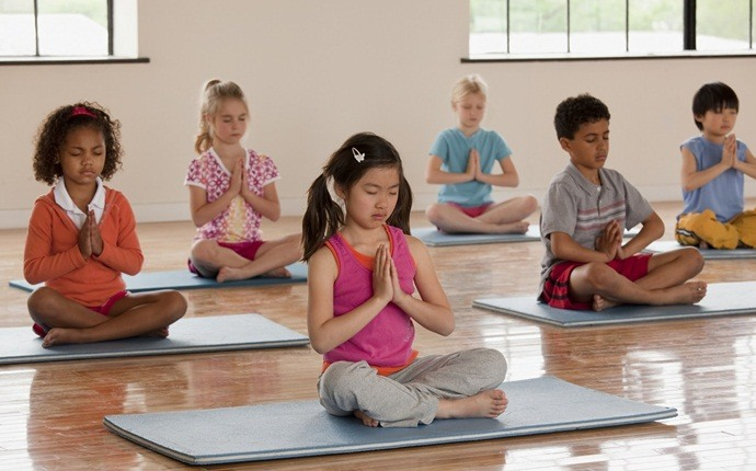yoga for kid - reverse warrior pose