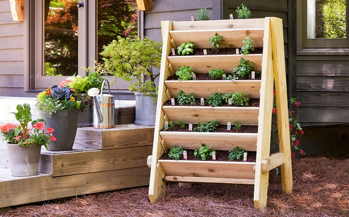 small garden design ideas - vertical planter garden